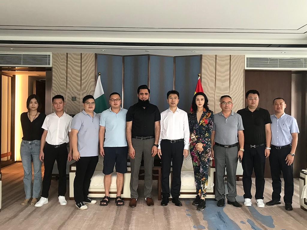 海跨协名誉会长兼Luxventure金铉品旅CEO孙磊接待巴基斯坦商会长